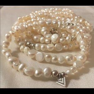 Silpada 7 Freshwater Pearl Stretch Bracelet